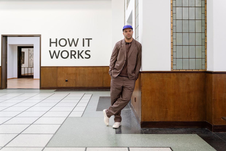 Sef in het Kunstmuseum Den Haag. De tentoonstelling met werk van A.R. Penck - 'How it works' is nog tot 27 september te zien. Beeld Jordi Huisman