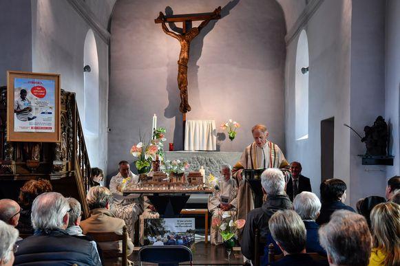 In Vlassenbroek werd pastoor Roger Van den Berge recent nog gevierd om zijn 35-jarig jubileum.