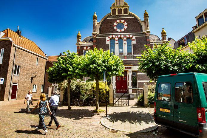 De voormalige synagoge wordt nu wellicht een fietsenwinkel.