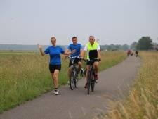 360 kilometer door het land lopen voor Stichting Avavieren