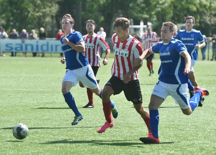 Steve Schalkwijk, hier in actie tegen GVVV, nam de openingstreffer voor zijn rekening tegen BVC'12.
