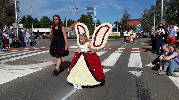 Het corso wordt traditiegetrouw afgetrapt door de jeugd.