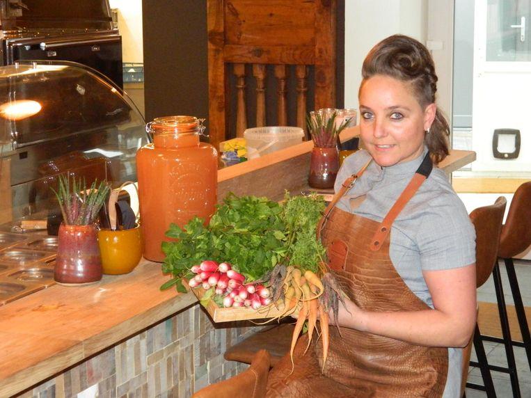 Julie Vandenberghe bereidt gezonde en lekkere tapas in haar Jules Bar.