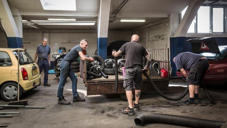 Na bijna veertig jaar sluit Garage Lucke zijn deuren Beeld Dingena Mol