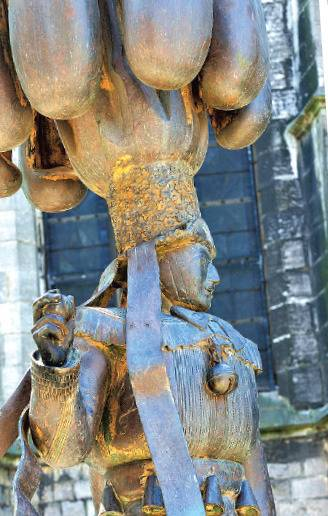 Gilles de Binche, vereeuwigd in het carnavalsmuseum.