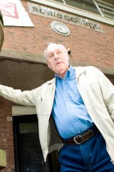 Arry Luttik (85) betrokken en erudiet rector op Alphens lyceum