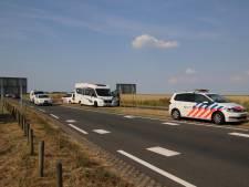 Kilometerslange file na botsing met gewonde op N256 bij Wilhelminadorp
