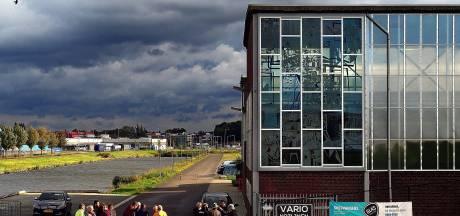 Glaskunst van voormalige ijzergieterij Holland terug bij jachtbouw Bruijs in Bergen op Zoom