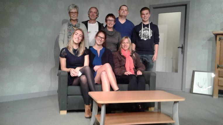De cast voor 'Love begins @ 50' bestaat uit Geert Van de Walle, Linda Hermans, Ingrid Roggemans, Gunter Sneyers, Karen Tack, Hannelore Van den Broeck, Maria Verstraeten, Nicole Mariën en Yordi Dietens
