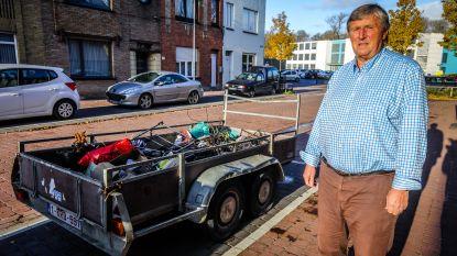 """Inwoner maakt zich boos: """"Sigarettenpeuk op straat kost je 100 euro. Maar aanhangwagen vol afval mag hier drie maanden blijven staan"""""""