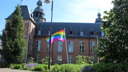 """Duffel stuurt brief naar Poolse ambassadeur: """"Zones voor holebi's en transgenders zijn verwerpelijk"""""""