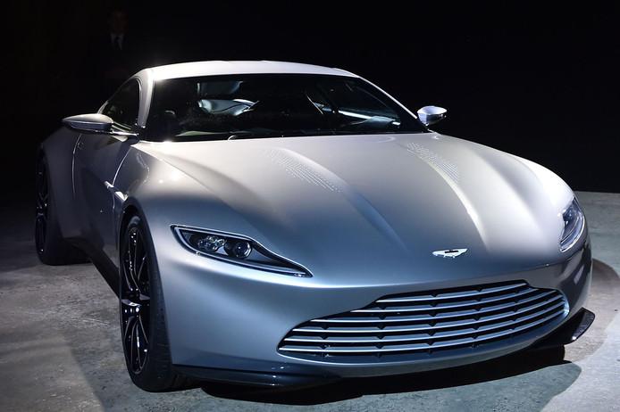 De Aston Martin DB10 die 007 in de nieuwe Bond-film tot zijn beschikking heeft.