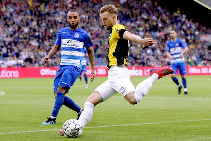 PEC Zwolle houdt zich prima staande in de eerste helft tegen Vitesse.