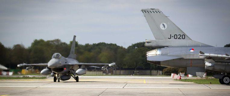 Nederlandse F-16's op vliegbasis Volkel. Beeld anp