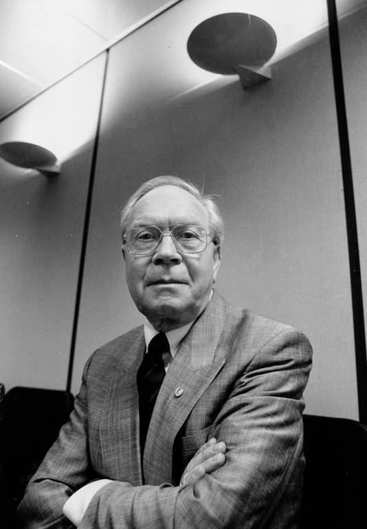 Ep Wieldraaijer'op een foto uit 1993, toen hij voorzitter van de Arbeidsvoorziening  was.