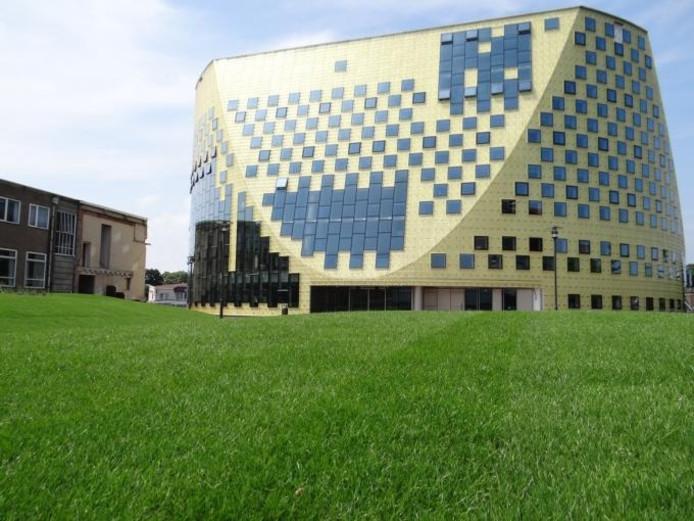 Het gemeentehuis van Hardenberg. foto Wim de Jonge