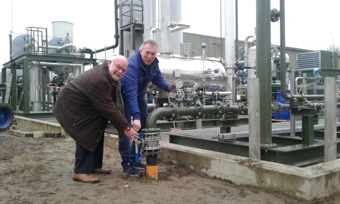 De pijplijn voor stroom naar de melkpoederfabriek Borculo wordt opengezet.