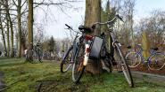 """Na commotie op sociale media, deed burgemeester zelf ronde van Lochristi: """"Er zijn wél voldoende veilige fietsenstallingen"""""""