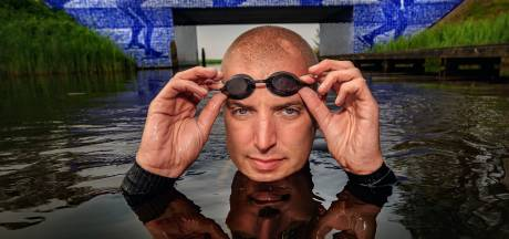 Geen meezwemmers bij zwemtocht Maarten van der Weijden wegens aantreffen bacterie
