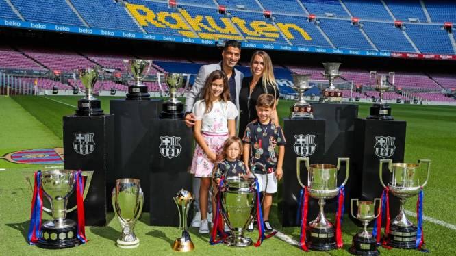 Nadat Koeman hem dumpte, krijgt Luis Suárez toch emotioneel afscheid langs de grote poort in Barcelona