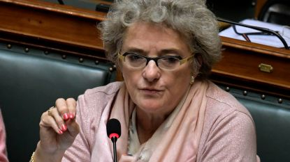 """""""Minister De Block duwt ziekenhuizen dieper in het rood"""""""
