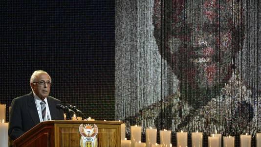 Son vieil ami et camarade de lutte Ahmed Kathrada n'a pas tardé à faire jaillir la personnalité unique du héros de la lutte anti-apartheid.