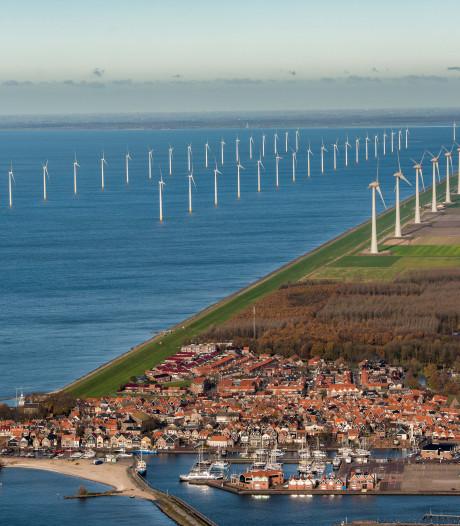 Omwonenden steken 9 miljoen in windpark voor de kust van Noordoostpolder