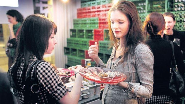 Tapas worden weer een hit: samen eten, samen delen. ©MAARTEN HARTMAN Beeld