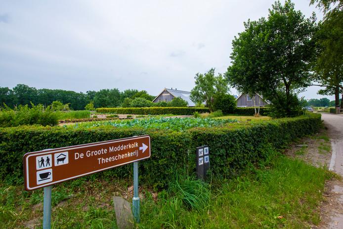 Bij de Groote Modderkolk wordt de Herenboerderij opgericht.