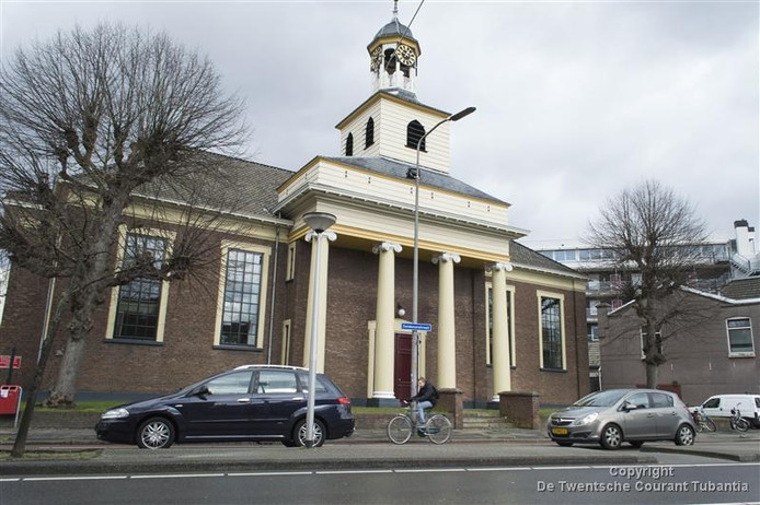 De Waterstaatskerk aan de Deldenerstraat kan worden verkocht.