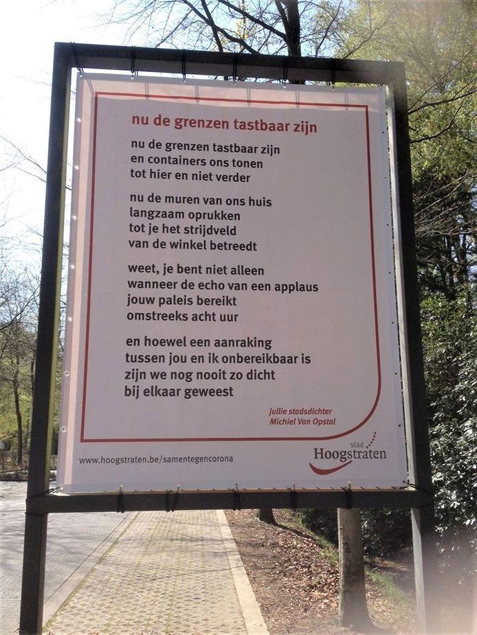 Enkele sfeerbeelden van de poëzie in het straatbeeld.
