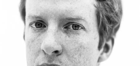 Peter Buurman uit Veldhoven schrijft zinneprikkelend debuut: 'Als ik in Amsterdam was opgegroeid, was ik misschien veel minder creatief geweest'