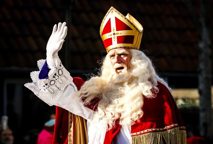 Op de Nieuwe Binnenweg komt Sinterklaas dit jaar langs zonder Pieten.