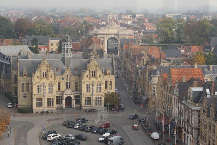 Uitzicht op het stadhuis vanuit het reuzenrad.