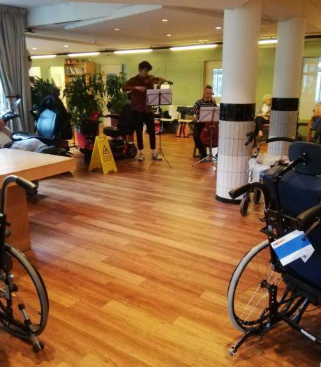 Bach in het zorgcentrum: een opluchting voor bewoners én orkest