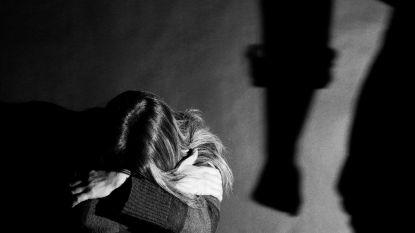 """Veertiger riskeert zeven maanden cel voor zwaar partnergeweld: """"De bom is ontploft nadat hij haar gsm controleerde"""""""