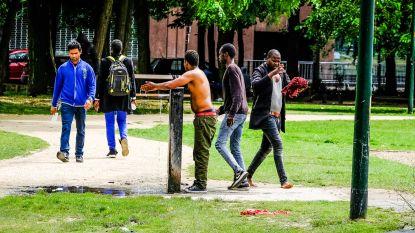 30 mensen uit Maximiliaanpark gezet bij politieactie