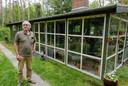 """Peter Schraven (71): ,,Ik kom hier altijd vijftig jaar. We kochten het huisje in 1983. Mooier wonen kan bijna niet. Ik blijf hier wonen. En na ons wil een zoon er graag intrekken."""""""