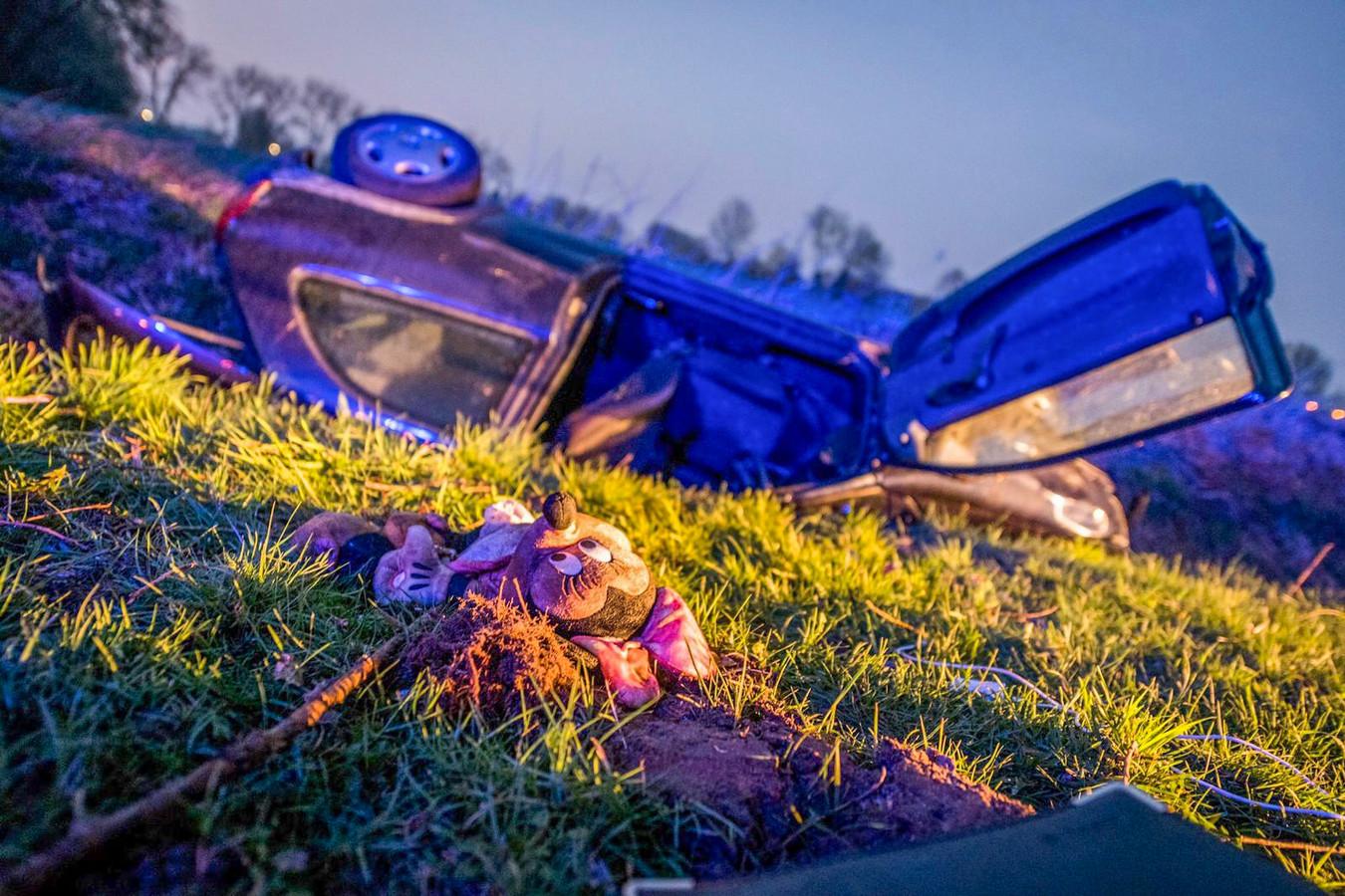Vrouw en baby naar ziekenhuis na ongeval in Helmond.