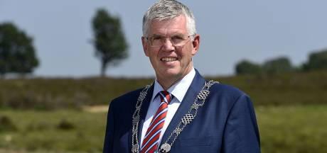 Baars moet weg, positie van Ermelose burgemeester is onhoudbaar, vinden Stentor-lezers