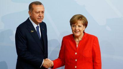 """""""Merkel nodigt Erdogan uit naar Duitsland"""""""