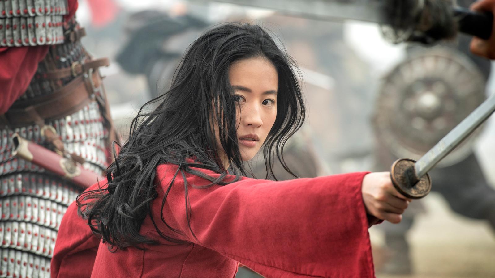 """La sortie de la version en prise de vue réelle du célèbre dessin animé """"Mulan"""" avait déjà été reportée deux fois."""