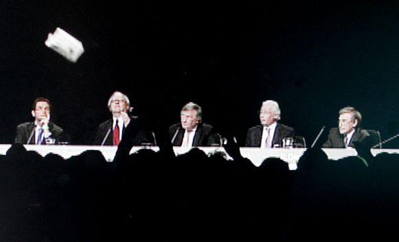 De top van Fortis werd in 2009 tijdens de algemene vergadering door aandeelhouders bekogeld.
