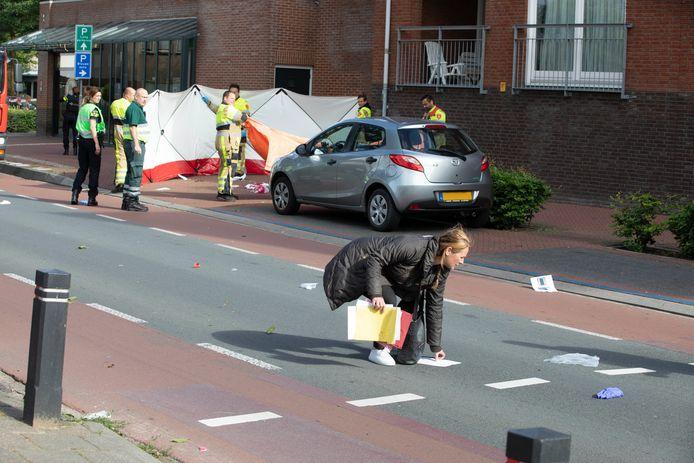 Bij de schietpartij maandagmorgen in hartje Beuningen is de 49-jarige klusjesman Mehmet uit Nijmegen omgekomen.