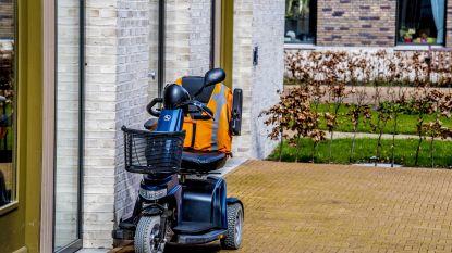86-jarige man op scootmobiel rijdt onder invloed fietser aan en pleegt vluchtmisdrijf