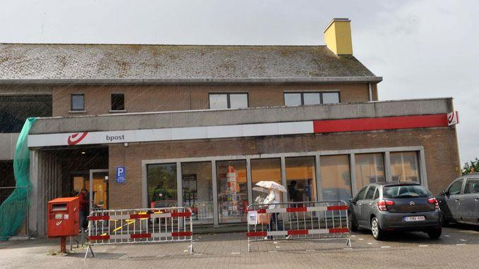 Selexion-winkel in postkantoor, maar postpunt blijft