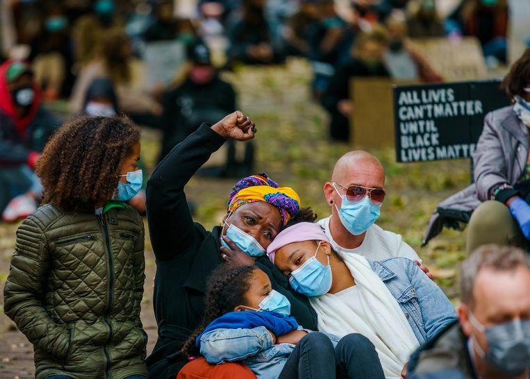 Demonstranten tijdens een antiracisme-bijeenkomst op het Abdijplein in Middelburg. Beeld ANP
