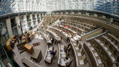 Vlaams Parlement blaast morgen 25 kaarsjes uit, feestelijkheden zijn voor na de coronacrisis