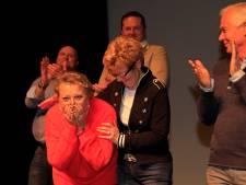 Joke Rodoe wint vrijwilligersprijs voor Repair Café en Fietsenbank: 'Ik ben gewoon sprakeloos'