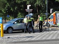 Fietser aangereden door automobilist in Waalwijk, slachtoffer naar ziekenhuis